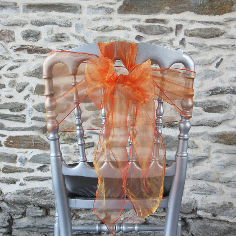 ceinturage organza orange sur chaise Napoléon